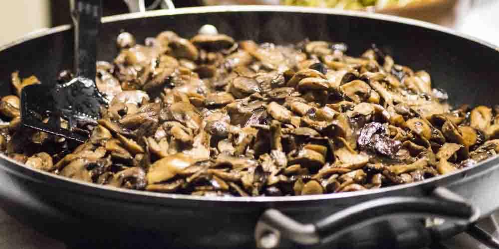 Cocina de setas típicas para comer en Bilbao.
