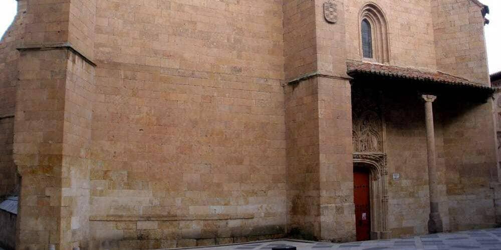 Exterior de la Iglesia San Benito en Salamanca