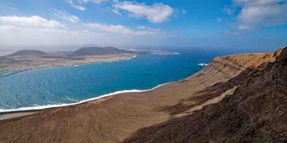 La isla de la Graciosa que ver desde Lanzarote y visitar con niños.