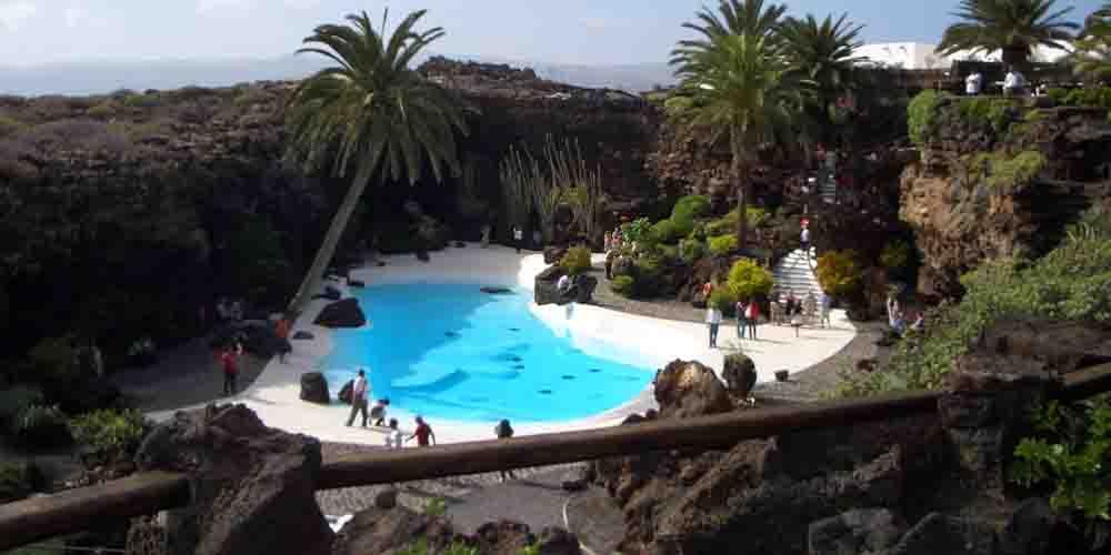 Visita a los Jameos del Agua en Lanzarote con niños.