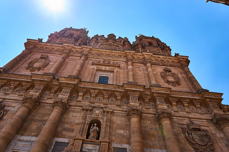 Universidad de Salamanca – Historia, fachada y cómo visitarla