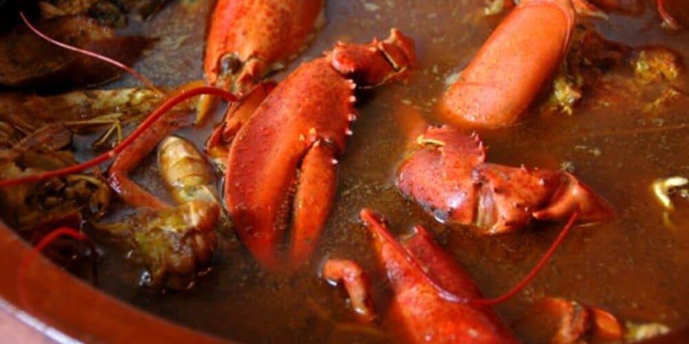 Caldereta de langosta, el plato típico que comer en Menorca