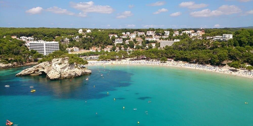 Cala Galdana, una zona con mucho encanto para alojarse en Menorca