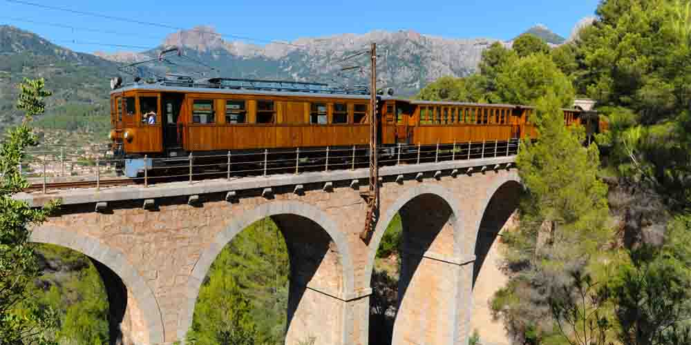 Excursión en tren a Soller desde Palma de Mallorca.