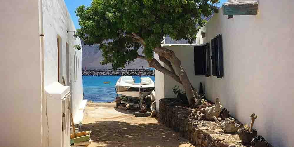 Las casas de la isla La Graciosa en Lanzarote.