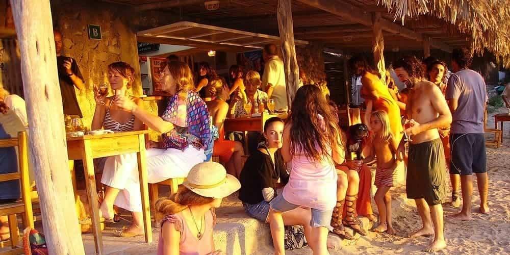 Café del Mar, un lugar con encanto que ver en Ibiza