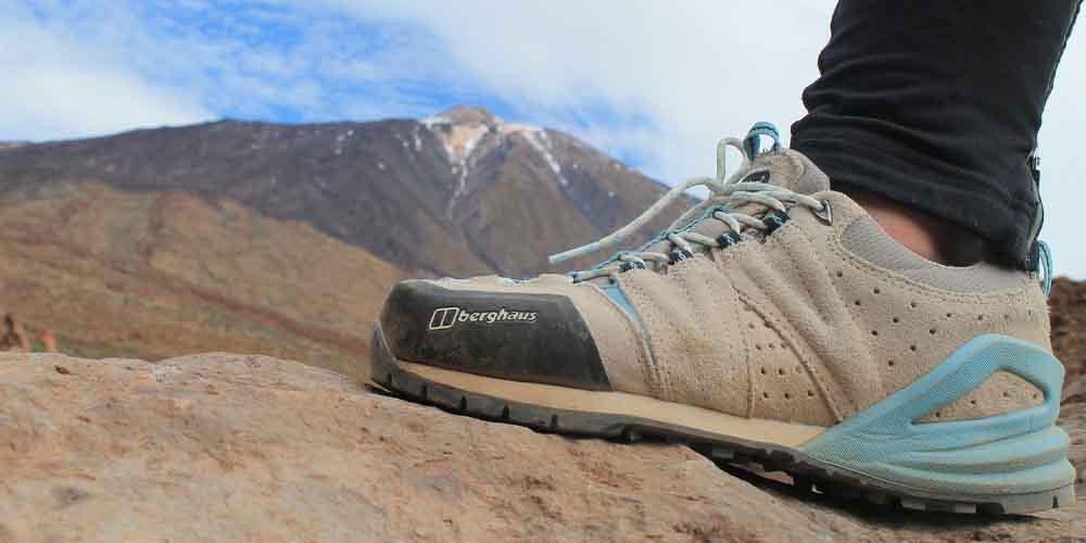 Calzado adecuado para visitar el Teide y hacer una ruta de senderismo.