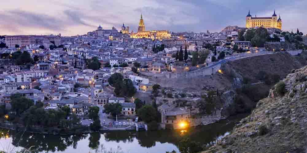 Cómo ir a Toledo desde Madrid en Bus y en Tren- Horarios y Precios