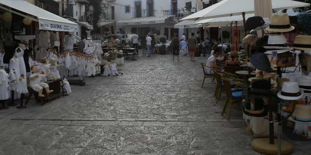 Terraza en un local de Ibiza