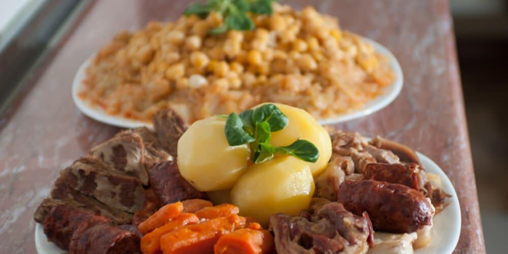 La Bola, uno de los mejores restaurantes donde comer cocido en Madrid