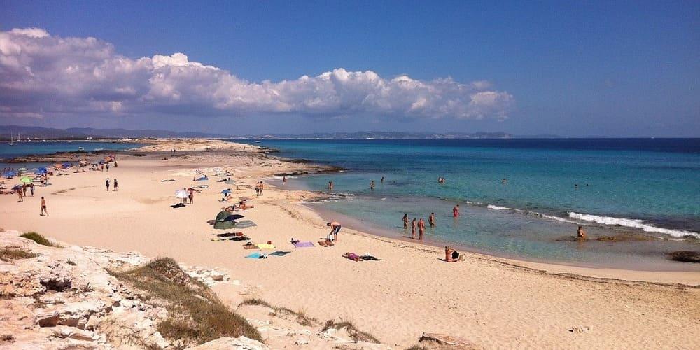 Disfruta de la Playa Migjorn en tú viaje por Formentera