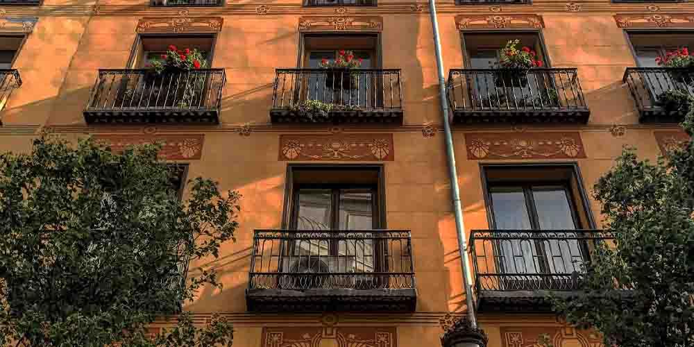 Alojamiento en el barrio de las Letras donde dormir en Madrid centro.