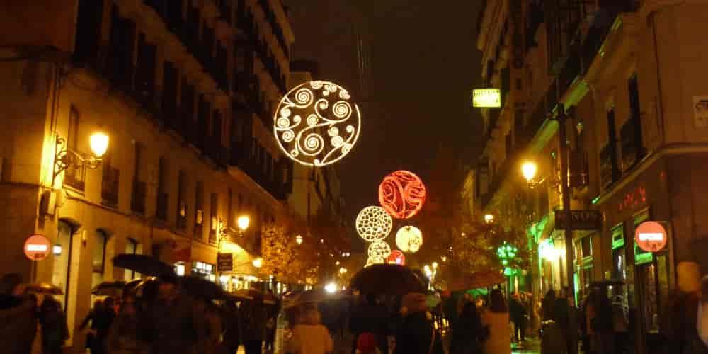 La iluminación es uno de los espectáculos más bonitos que ver en Madrid en Navidad