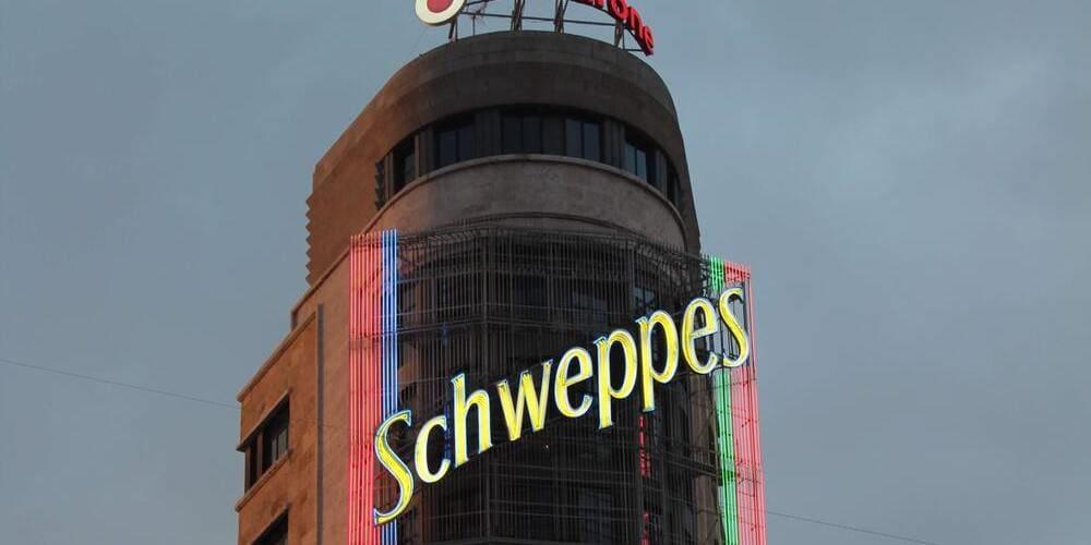 Gourmet Experience Callao las mejores vistas al edificio de Schweppes