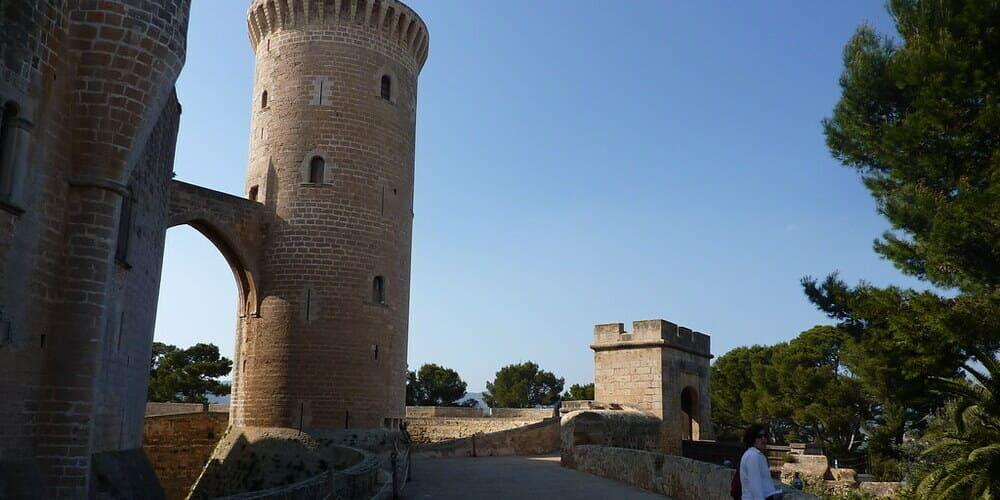 Castillo de Bellver, una parada imprescindible en tú viaje