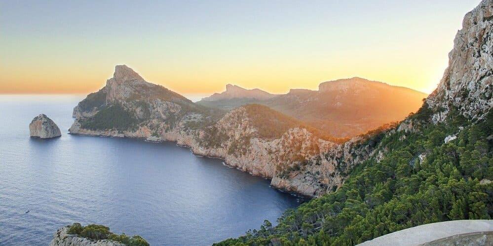 Mirador Ses Colomers, increíbles vistas que mezclan mar con montaña