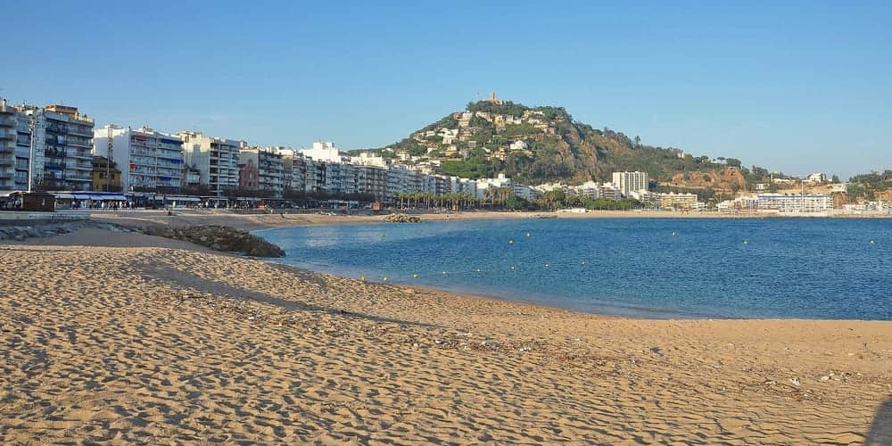Playa de Blanes, en la Costa Brava cerca de Barcelona