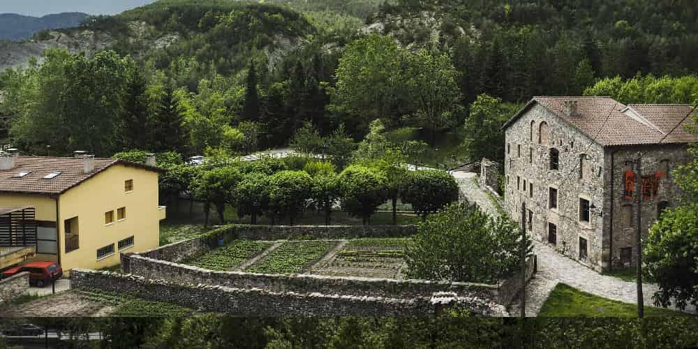 Baga es uno de los pueblos bonitos cerca de Barcelona