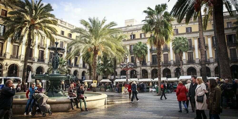 La Plaza Real, un lugar perfecto donde tomar algo en Barcelona