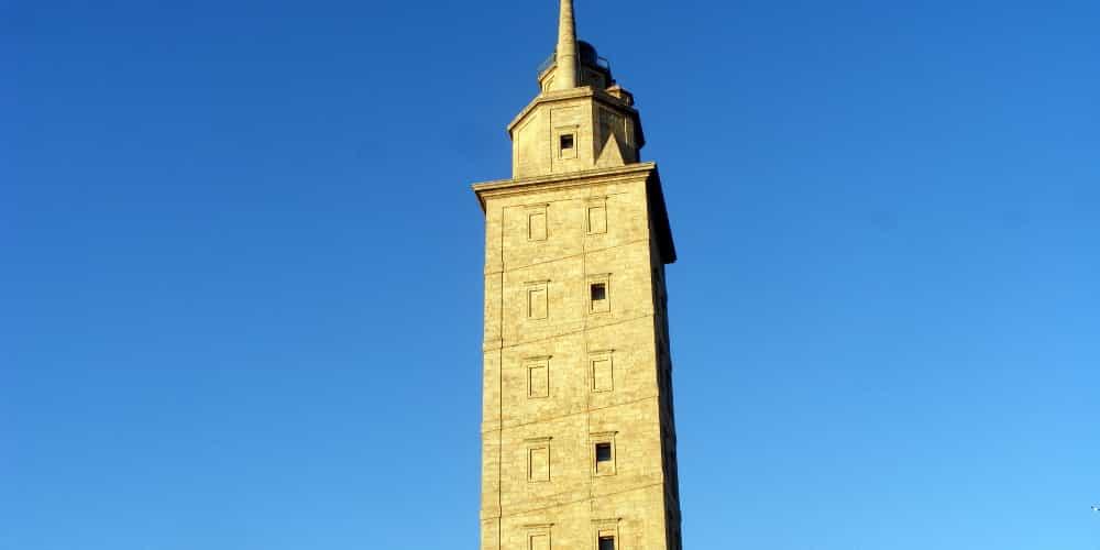 La Torre de Hércules es el principal atractivo que ver en La Coruña