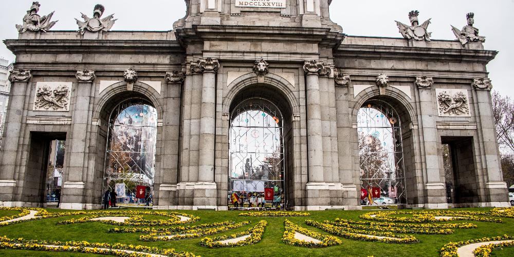 La Puerta de Alcalá es uno de los monumentos más importantes que ver en Madrid en 1 día