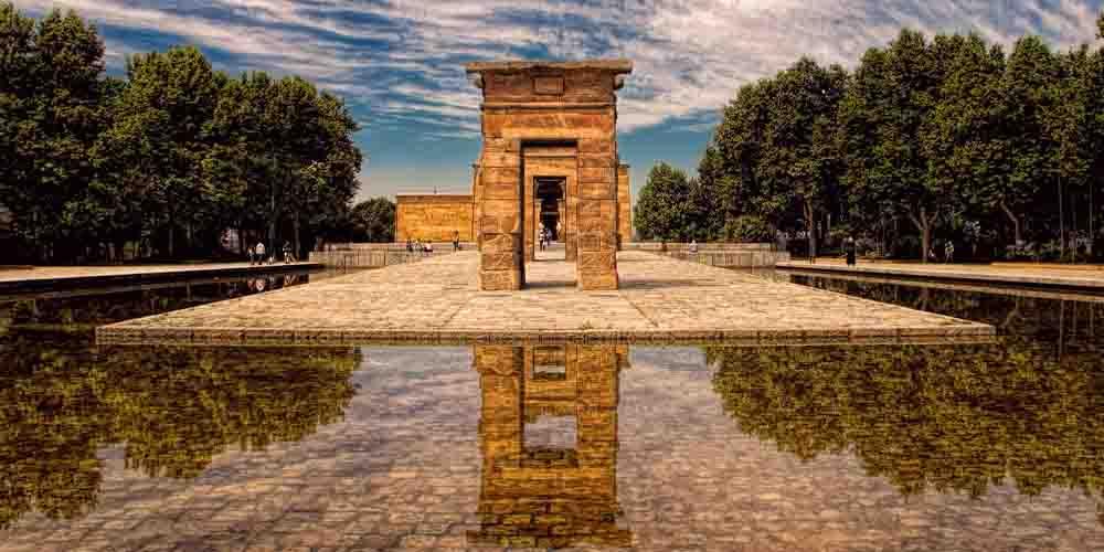 El templo de Debod que ver en Parque del Cuartel de la Montaña de Madrid en 3 días.