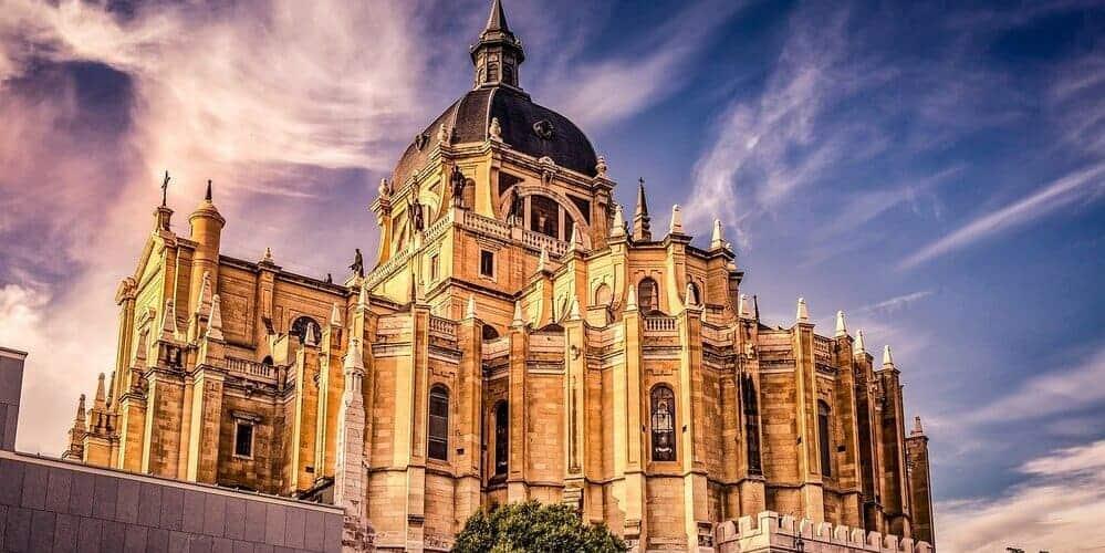 La Catedral de la Almudena, preciosa construcción de gran antiguedad