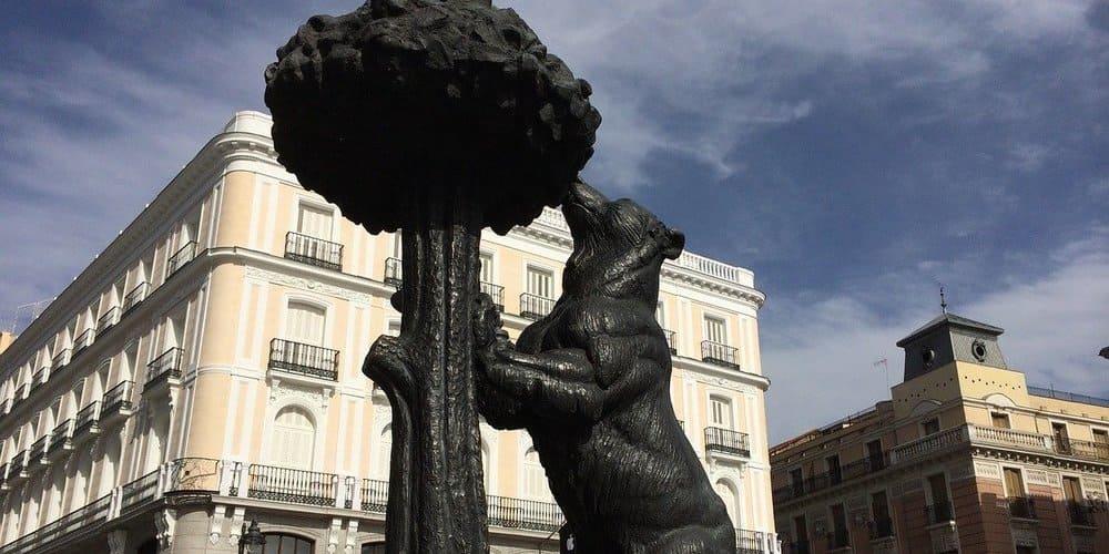 Puerta del Sol, famosa estatual del Oso y el Madroño