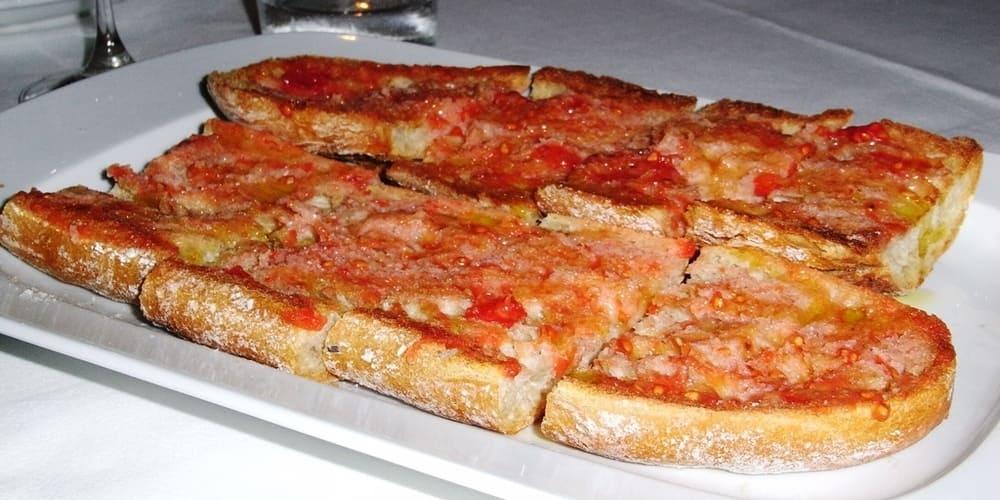 Pan con Tomate, un plato muy sencillo de la cocina catalana