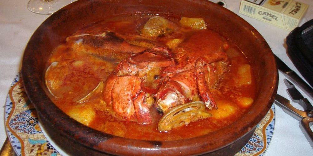 Suquet de Peix, comida típica de Barcelona cuyo ingrediente principal es el pescado