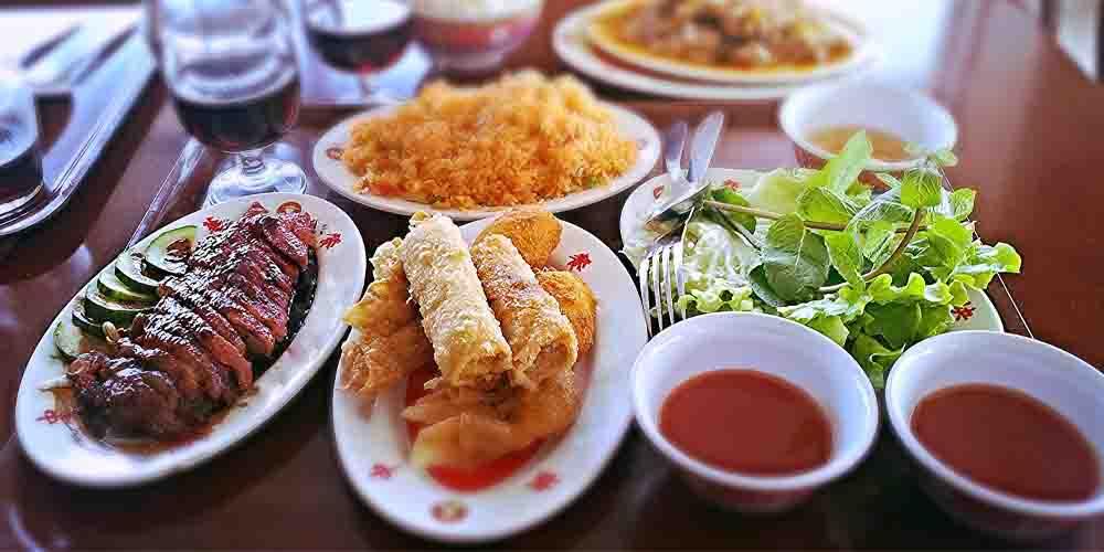 Restaurante oriental donde comer bien y barato en Barcelona comida china.