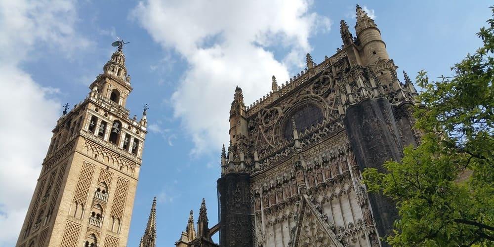 La Catedral y Giralda de Sevilla, uno de los monumentos más famoso que ver en Sevilla en 3 días