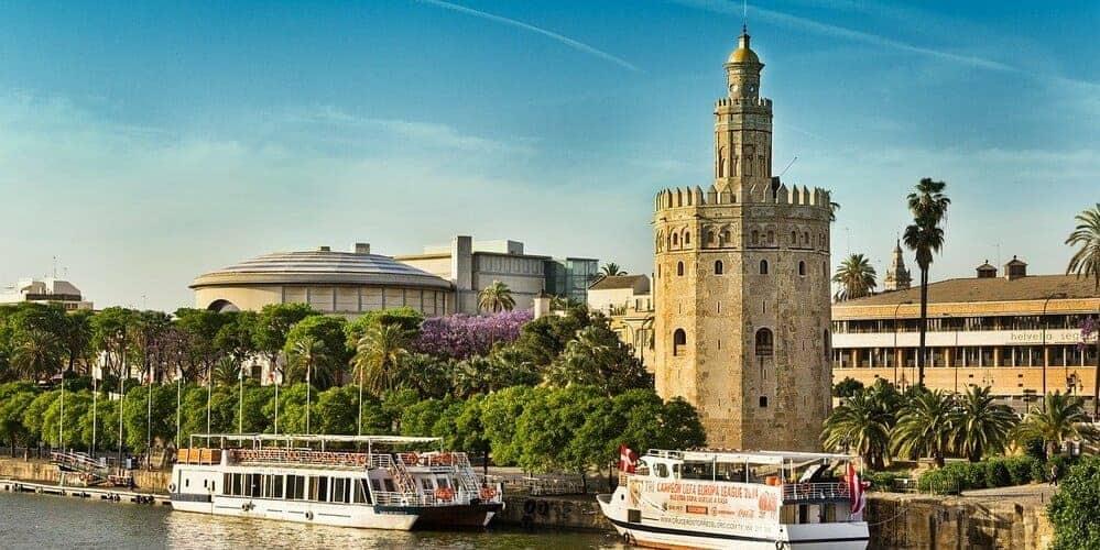 La Torre del Oro, un lugar emblemático que ver en Sevilla en 3 días
