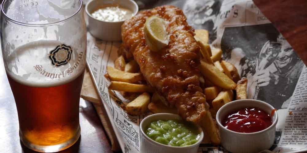 Fish and Chips, una de las recetas más famosas de la comida típica de Inglaterra.