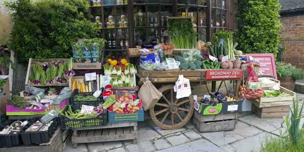 Un puesto de productos naturales en Broadway Market, uno de los mercados de Londres dedicado a la alimentación.