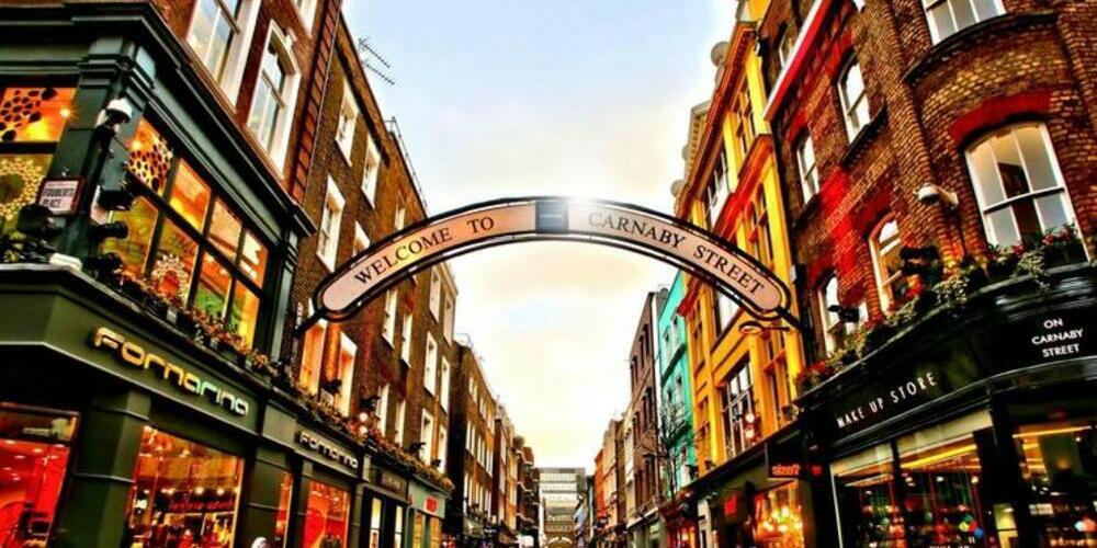 Frontal de la calle de Carnaby street en el barrio del soho de Londres