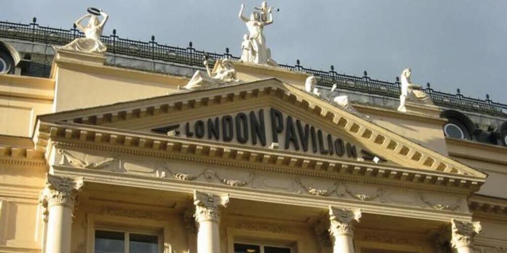Fachada del London Pavilion en el Piccadily Circus