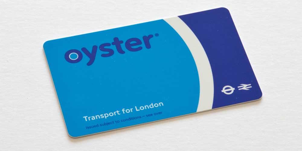 La Oyster Card de Londres es la forma más común de pagar en el transporte público.