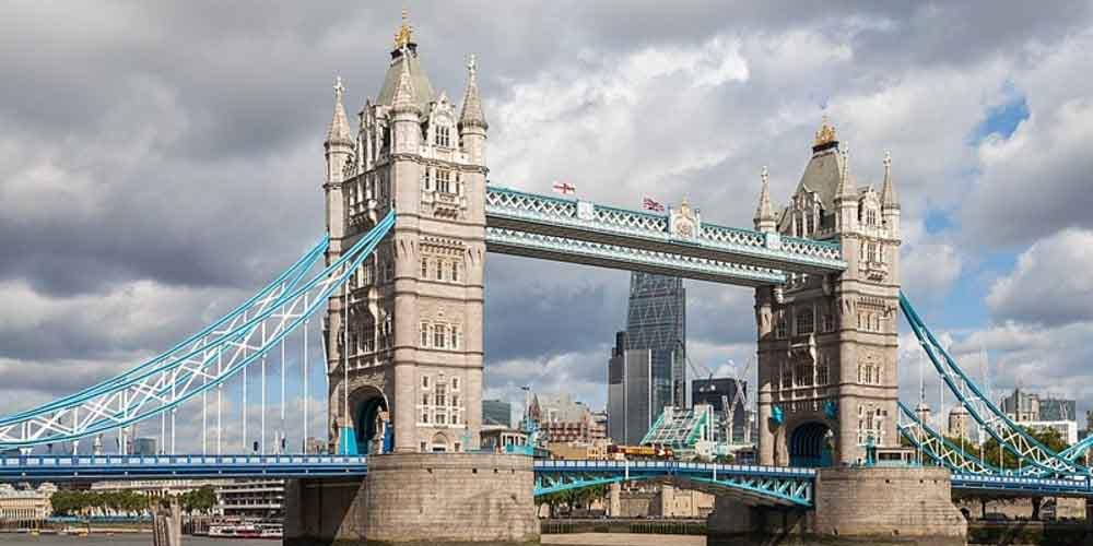 Se pueden visitar las dos torres de Tower Bridge que se ven en la imagen.