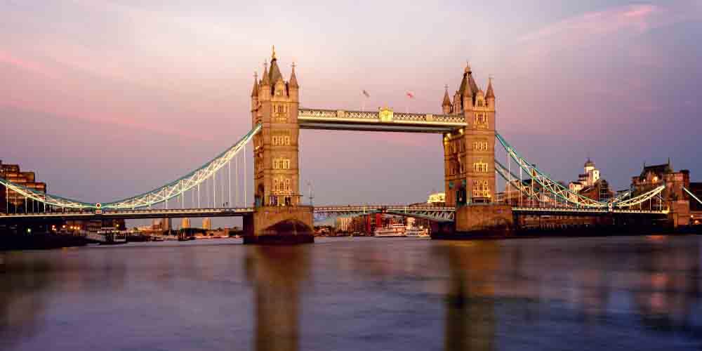 El crucero por el Támesis nos permite ver los icónicos puentes de la ciudad como el Tower Bridge.