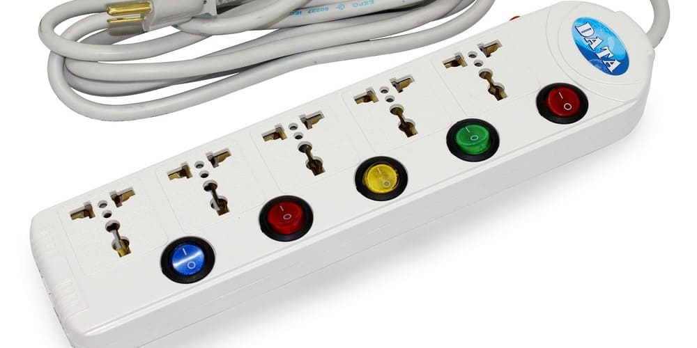 Regleta para conectar aparatos eléctricos en Londres