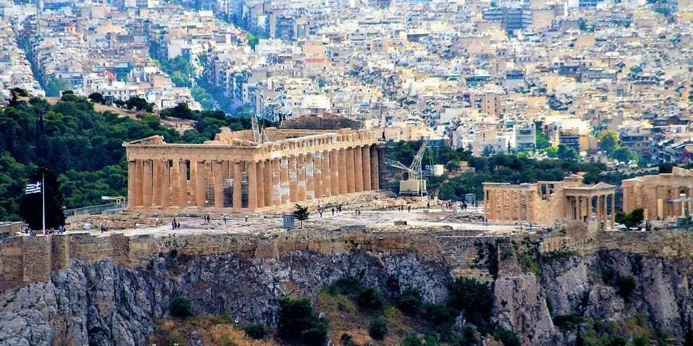 Vista aérea de la Acrópolis. Imprescindible para ver Atenas en 3 días