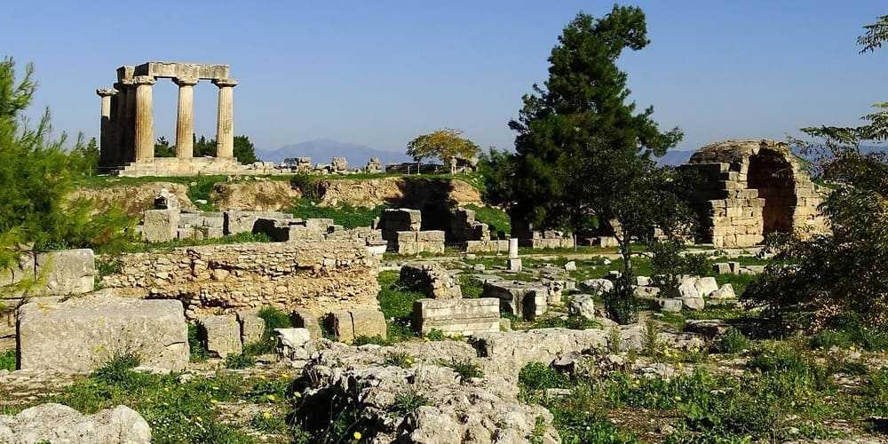 Ruinas de Corinto, en Grecia. Excursión para hacer en un viaje a Atenas de 3 días.
