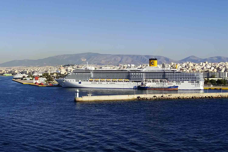 Cómo ir del Puerto del Pireo al centro de Atenas – Líneas, horarios y precios