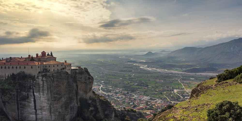 Las vistas de los miradores te permiten ver el increíble paisaje de Grecia.