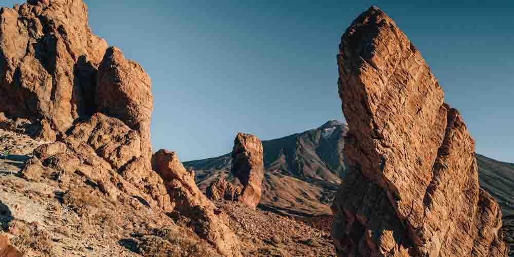Los roques de la Cañadas del Teide en un sendero que hacer en Tenerife.