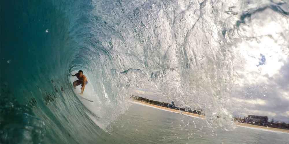 Surfista en la Costa de Adeje.