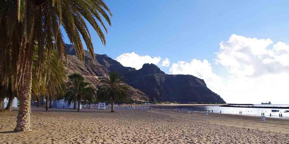 La playa de las Teresitas, la más grande que ver en Tenerife en 5 días.