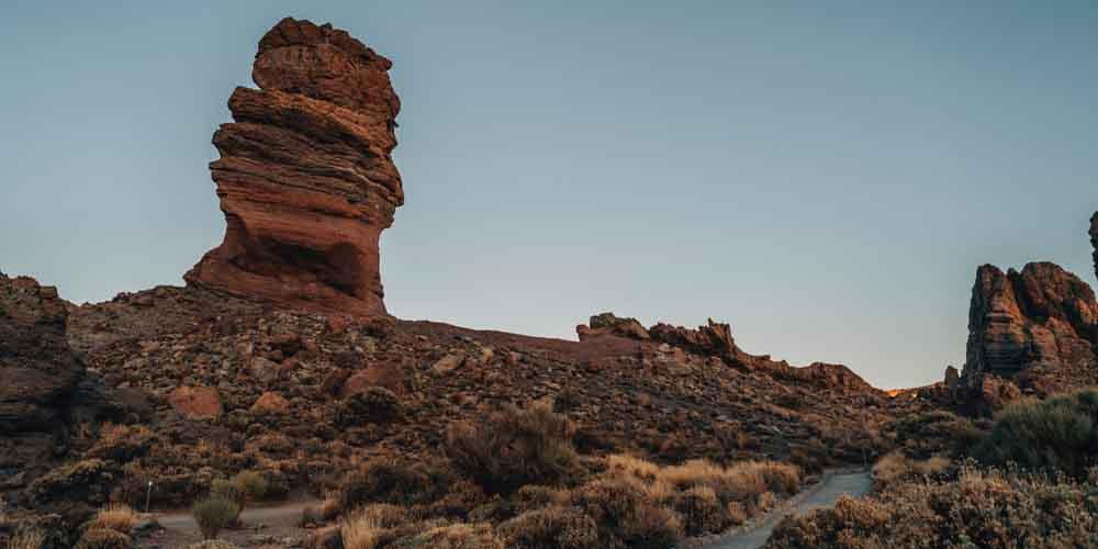 Sendero de los Roques de García en las Cañadas del Teide.