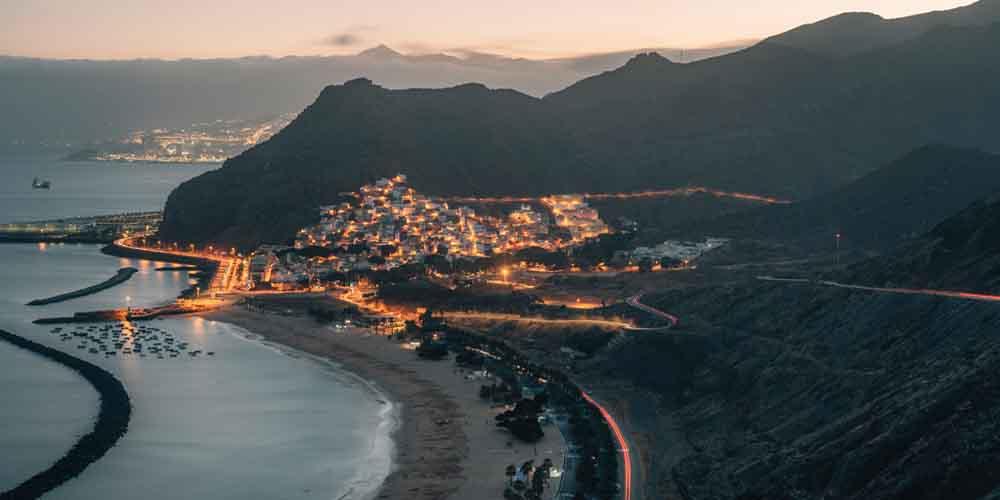 La playa de las Teresitas en Santa Cruz de Tenerife en una visita de 7 días a la isla.